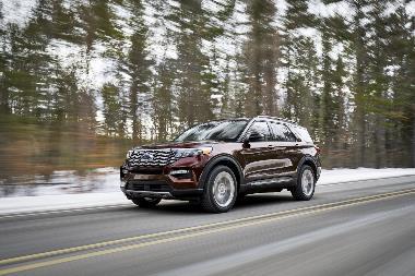 2020-Ford-Explorer-Platinum_front_left
