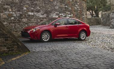 2020_Toyota Corolla_Side_left